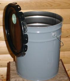 Metal 5 Gallon Bucket w/Lid 0001mb Northern Sport Co.