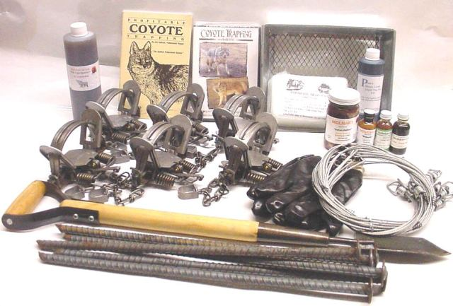 Coyote Deluxe Trapping Kit  cdtk12